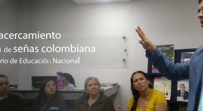 Profesionales del Ministerio de Educación participan en taller de acercamiento a la Lengua de Señas Colombiana